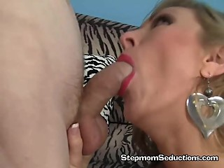 Vicky Vixen Have Her Hairy Pussy Licked..
